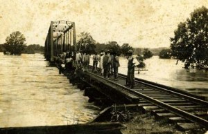 Board River Flood- 1916